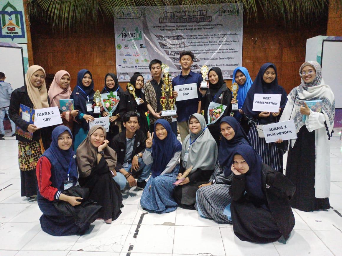 Perwakilan Mahasiswa Akuntansi Raih Juara Dalam Temu Ilmiah Regional FoSSEI